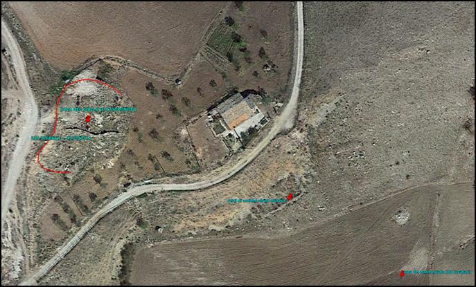 """Fig. 5   Immagine satellitare della cava """" a cielo aperto"""" di """"Giallo di Castronovo"""""""